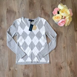 NWT Tommy Hilfiger Argyle Sweater Size Small